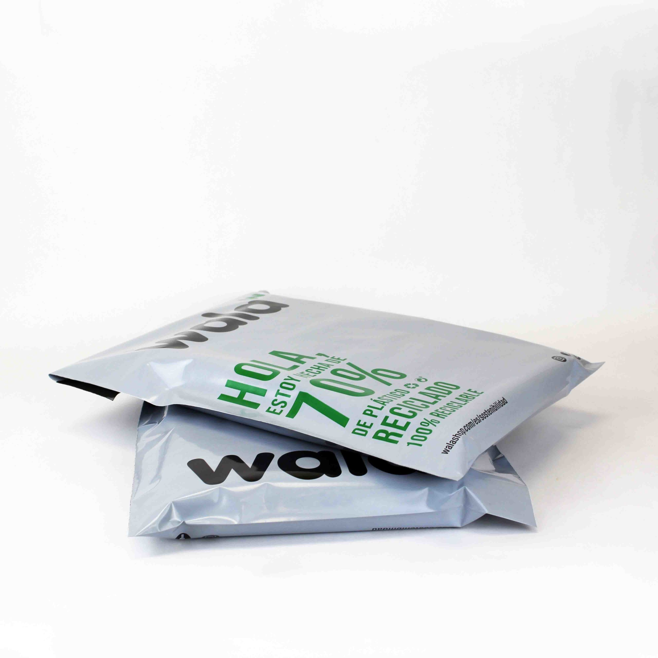 Recycled plastic ecommerce envelopes personalizables. Pide tu ...