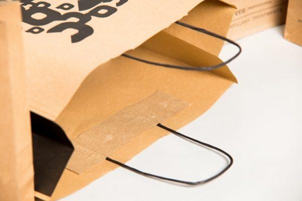 Bolsa de papel asa retorcida detalle