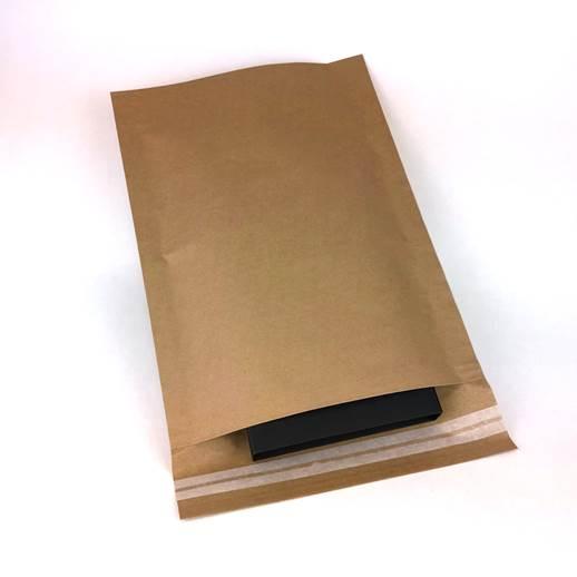 sobres de papel con solapa y cinta adhesiva